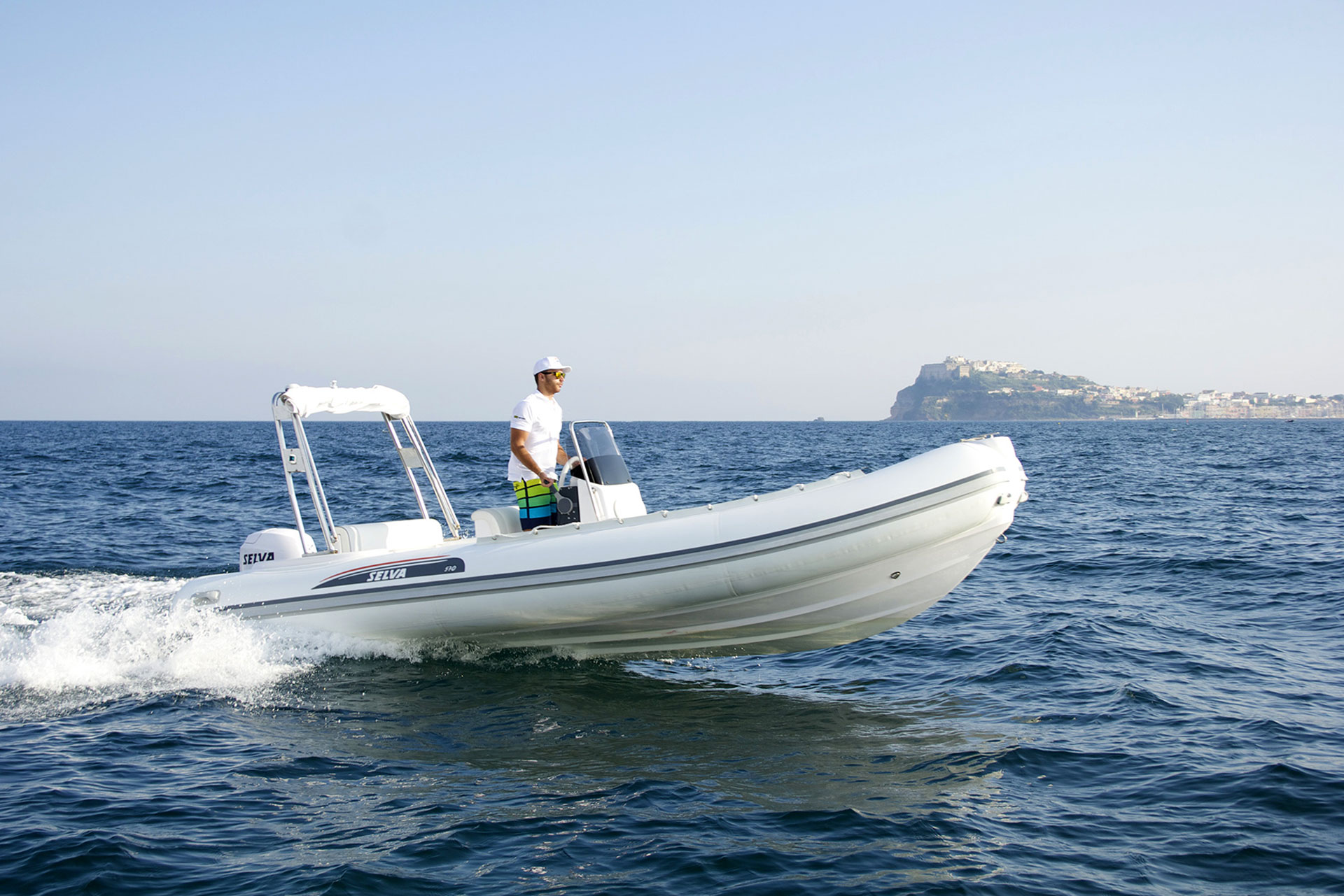 Noleggio barche e gommoni senza patente